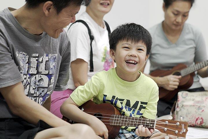 little play space ukulele class